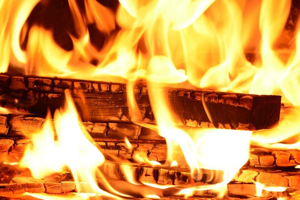 quel est le meilleur chauffage au bois pour chauffer sa. Black Bedroom Furniture Sets. Home Design Ideas